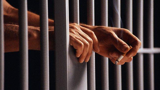 Rauchender Häftling