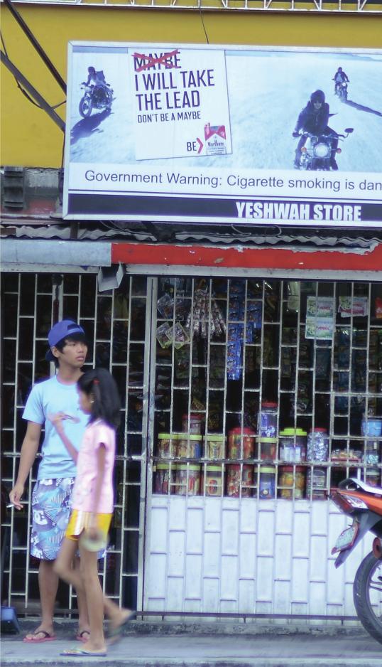 Dank Tabak Multis: Rauchende Jugendliche auf den Phillippinen