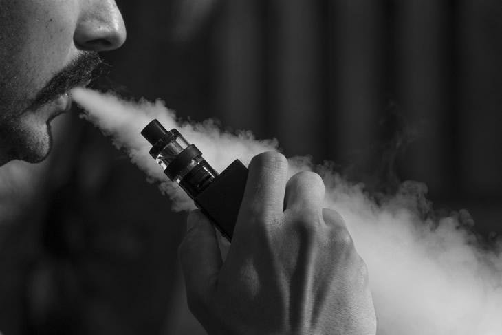 Wo E-Zigaretten statt Rauchen im taeglichen Leben erlaubt sind
